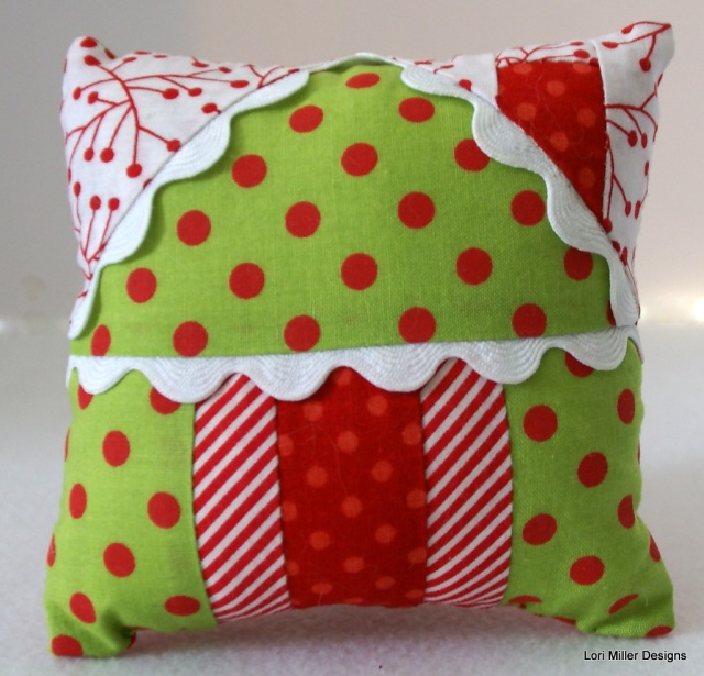 lori miller designs gingerbread house pincushion