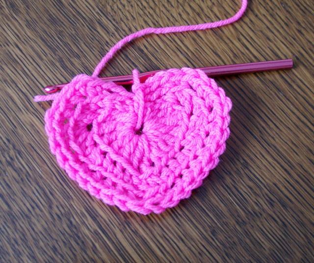 Crochet Valentine : crochet valentine heart - Lori Miller Designs