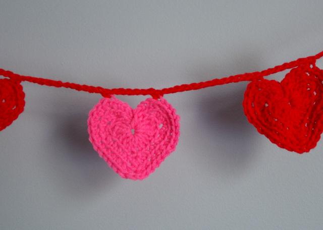 crochet valentine heart - Lori Miller Designs
